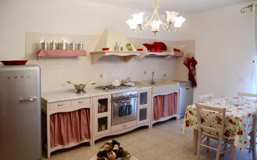 Ortona – C.da Lazzaretto – Appartamento bilocale con corte, giardino e garage
